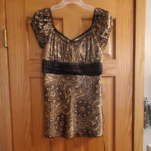 Cute Gold-etched Top